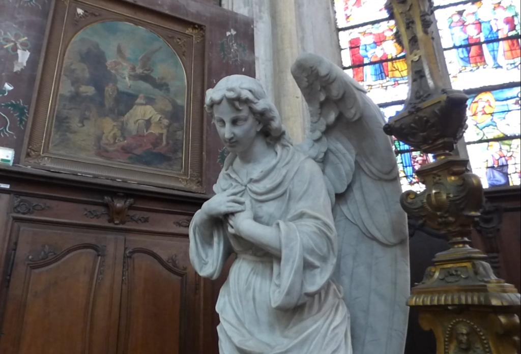 L'un des deux anges adorateurs de l'église de Vézelise