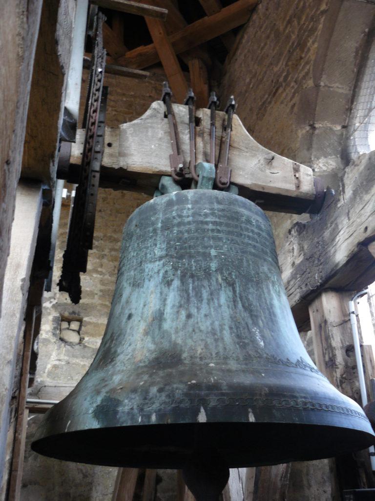 L'une des 4 cloches de l'église de Vézelise