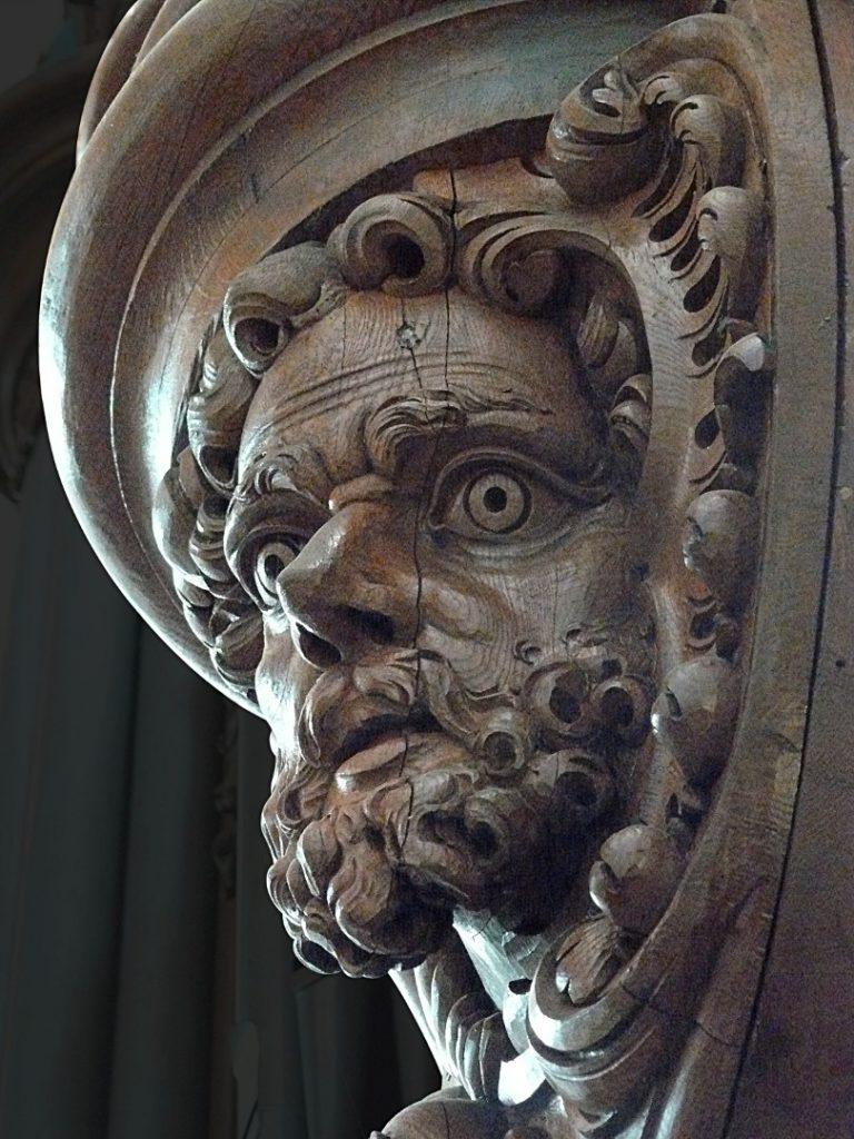 masque d'homme barbu de l'orgue de Vézelise